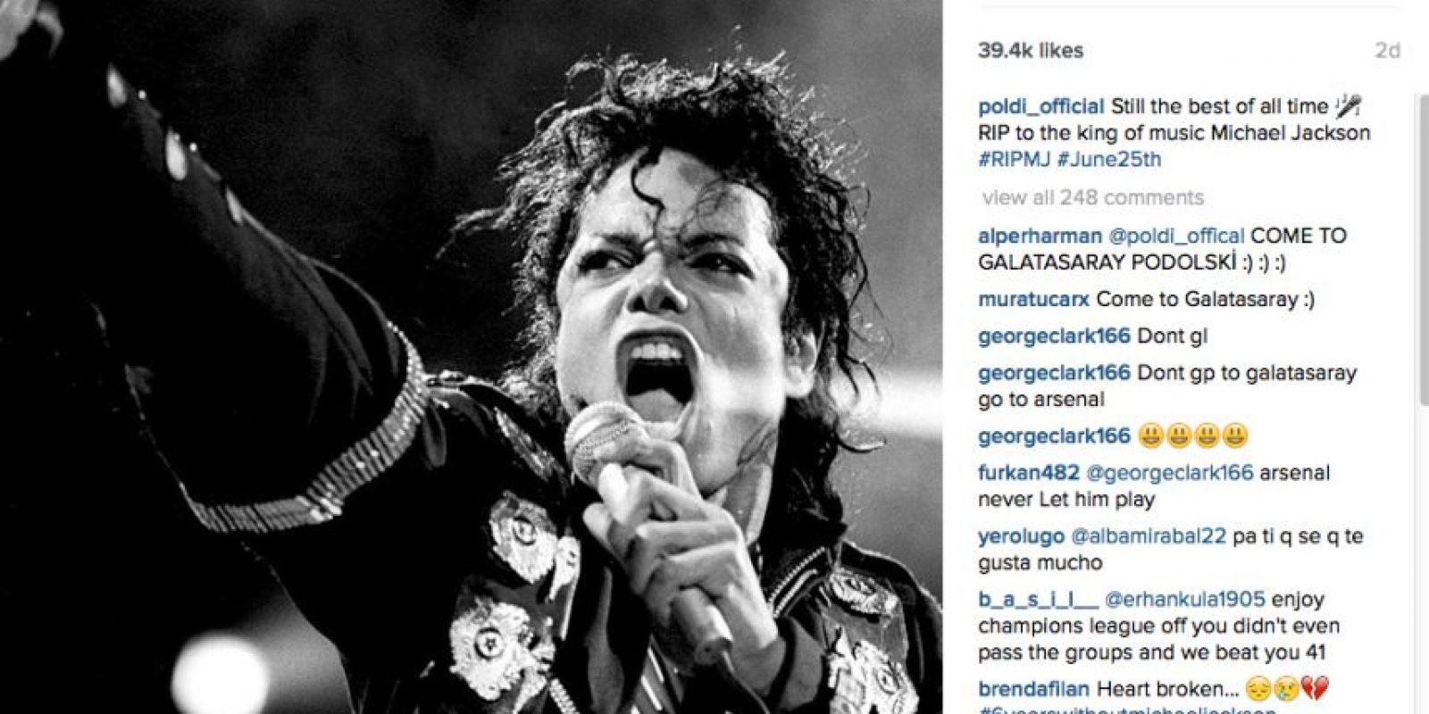 Con esta imagen publicada en su Instagram hace algunos días, nos queda claro que el goleador alemán es fan del fallecido ídolo pop Michael Jackson. Foto:Vía instagram.com/poldi_official