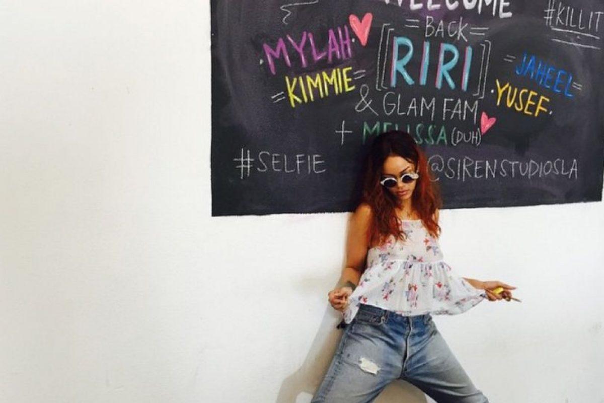 Rihanna es un ícono de moda. Y también una de las más grandes impulsoras de firmas que se dedican a la indumentaria y la belleza. Foto:vía Intagram/badgalriri
