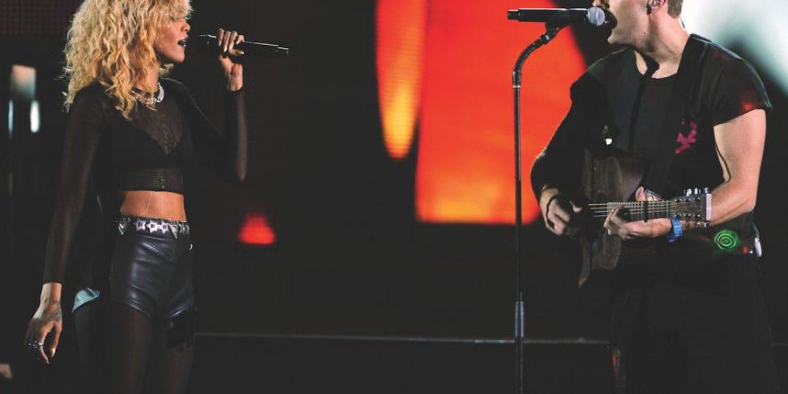"""Coldplay con Rihanna – """"Princess of China"""" (2012) La colaboración vio el 'acoplamiento consciente' de Rihanna y Chris Martin de Coldplay, ajustado a un tema pseudo-Samurai. Tras la colaboración, una """"noche de cita"""" de Martin y Rihanna en un restaurante en Santa Mónica tuvo al mundo Twitter con sobredosis de chismes. Foto:Getty Images"""