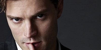 """""""Es una reminiscencia de esos thrillers que se escriben desde la mente del asesino, pero en este caso, Christian solo piensa en sexo y comida. Es como meterte a la cabeza de tu perro, si este solo derramara vino Sancerre"""". The Guardian Foto:vía Universal"""
