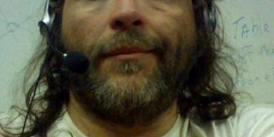 Hombre se inyectó para broncearse y su piel se oscureció totalmente
