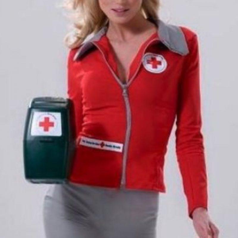Sturm es un embajador de la Fundación de la Cruz Roja Holandesa Foto:Vía facebook.com/YfkeSturm/