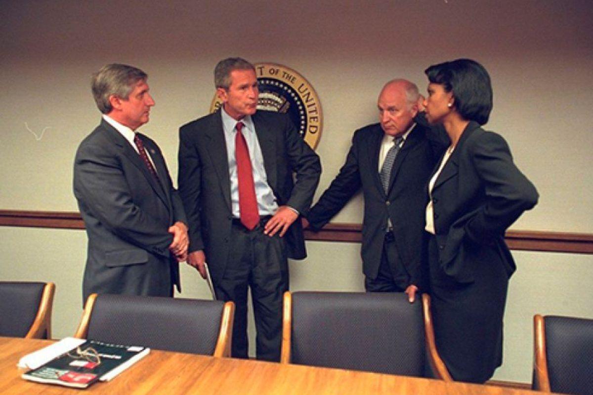 En el pasado mes de julio, los Archivos Nacionales de Estados Unidos revelaron a través de su cuenta de Flickr una serie de imágenes inéditas que muestran cómo vivieron los funcionarios de la Casa Blanca el atentado terrorista del 11 de septiembre de 2001. Foto:Vía Flickr.com/usnationalarchives