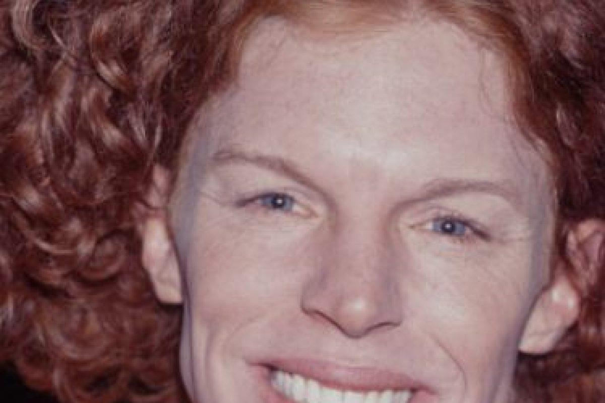 Actuaba en un montón de películas, hasta que comenzó con las cirugías. Ahora actúa en Las Vegas y se burla de los comentarios hacia su rostro. Foto:vía Getty Images