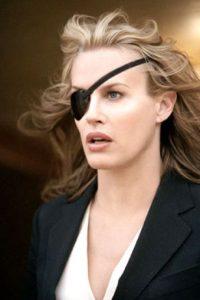 Comenzó a hacerse cirugías que alteraron su apariencia. No volvió a tener un éxito comercial hasta 2003. Foto:vía Miramax