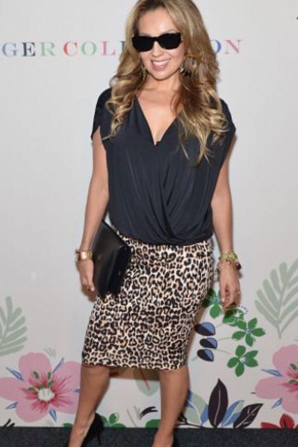 """Thalía, usando lo que toda mujer """"arriesgada"""" usaría para un evento especial. Foto:vía Getty Images"""
