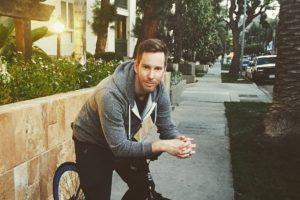 Vive establemente en Los Ángeles. Foto:vía Instagram/Chris Owen