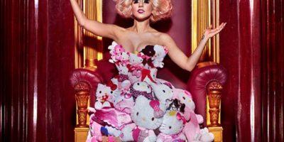 Lady Gaga con Hello Kitty. Foto:vía Getty Images