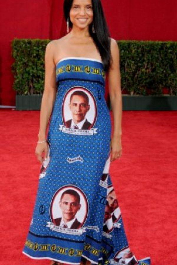 Victoria Rowell en 2009 se vistió con los souvenirs que venden en Washington. Foto:vía Getty Images