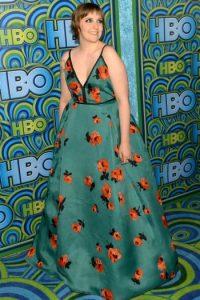 Y Lena Dunham hizo lo mismo un año antes. Un gran mantel. Foto:vía Getty Images