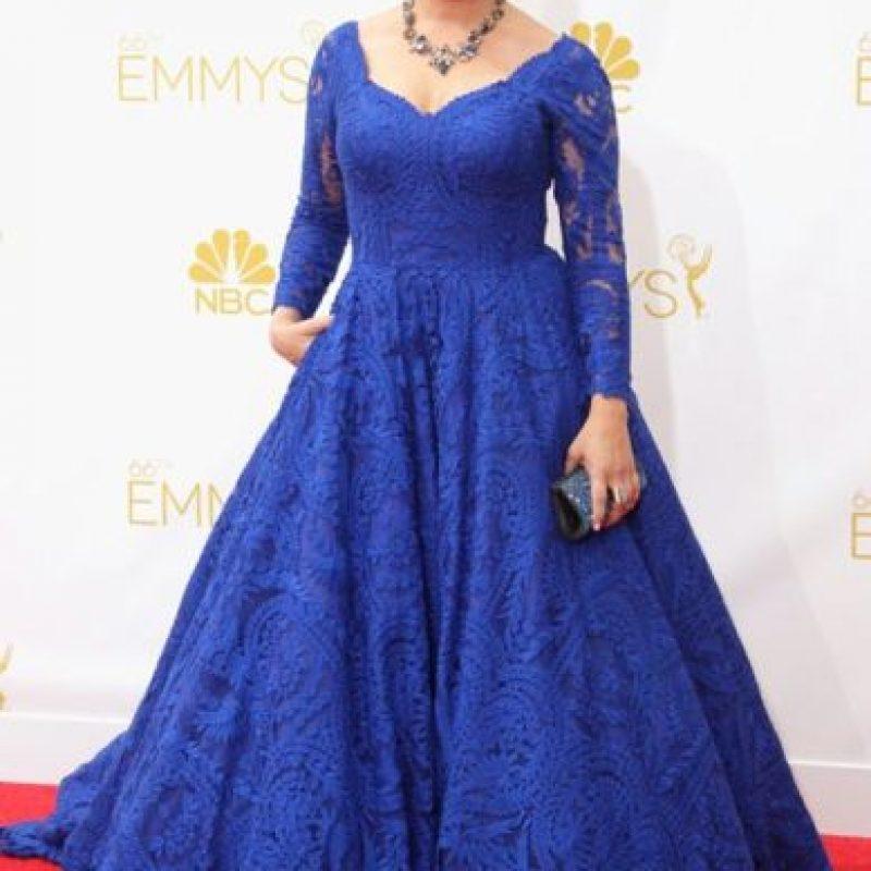 Mayim Bialik el año pasado, en un vestido de alquiler para la boda de una amiga. Foto:vía Getty Images