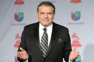 """2.- Antes de saltar a la fama, su nombre artístico era: Francisco Ziziguer González, pero después de su primer año en televisión lo cambió a """"Don Francisco"""". Foto:vía AFP"""