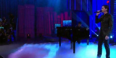 """Juanes tocó en vivo """"Volverte a ver"""". Foto:vía Twitter/Univision"""