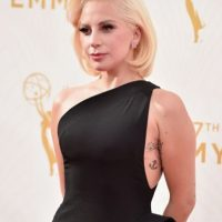 Su vestido es de Brandon Maxwell. Foto:vía Getty Images