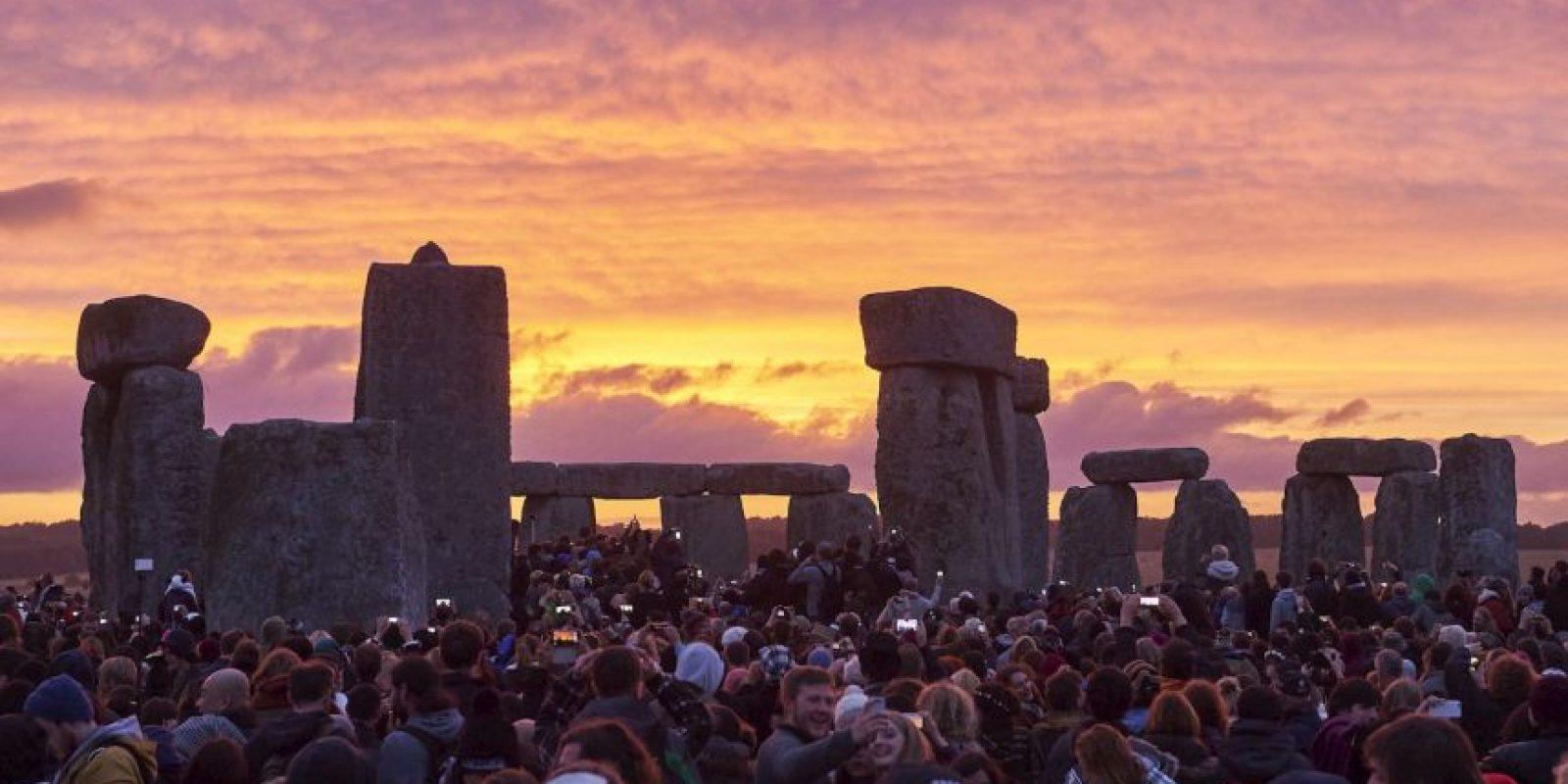 Celebración del solsticio de verano en Stonehenge. Foto:AFP