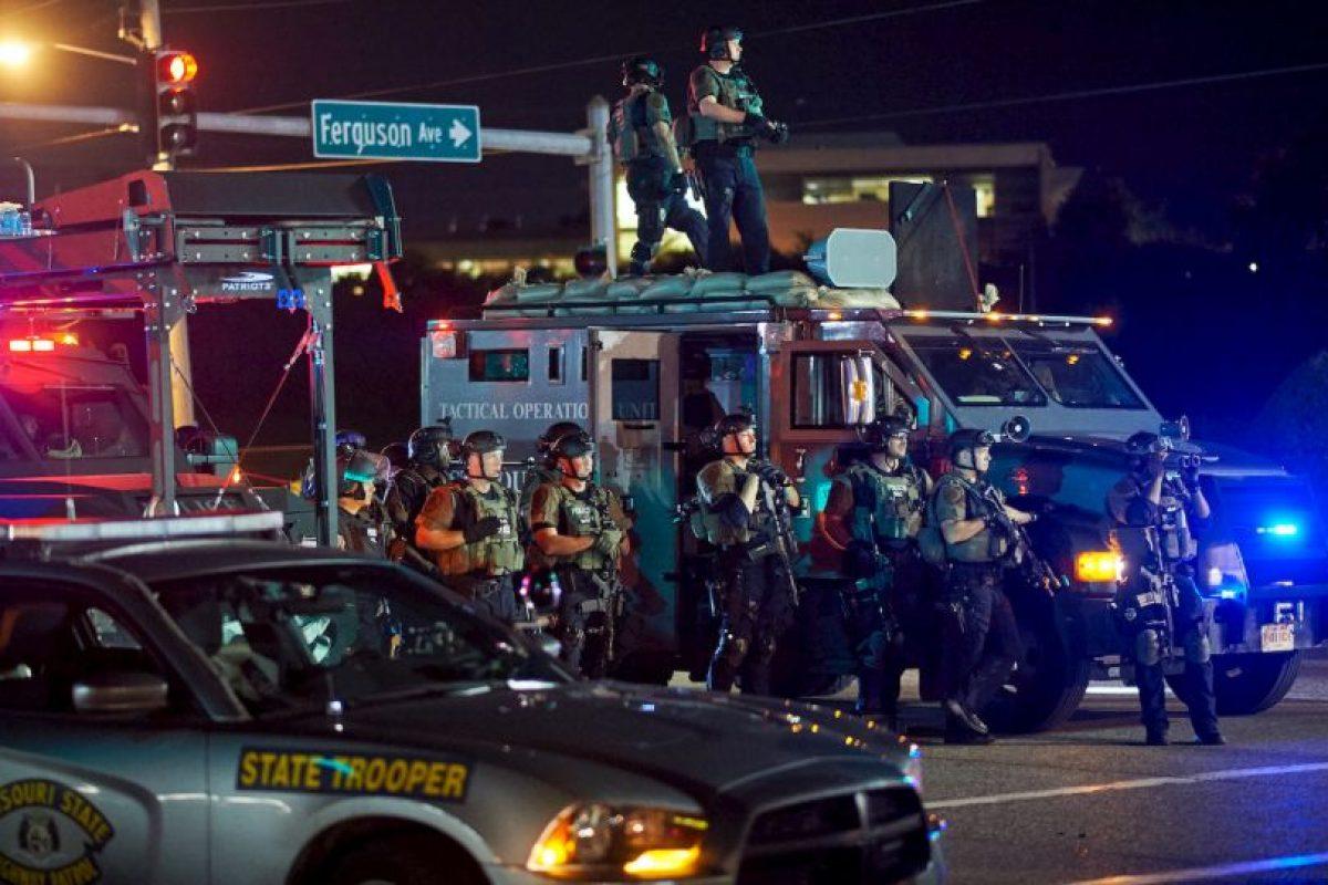 Sin embargo, las protestas se salieron de control, por lo que se declaró estado de emergencia en St. Louis. Foto:AFP
