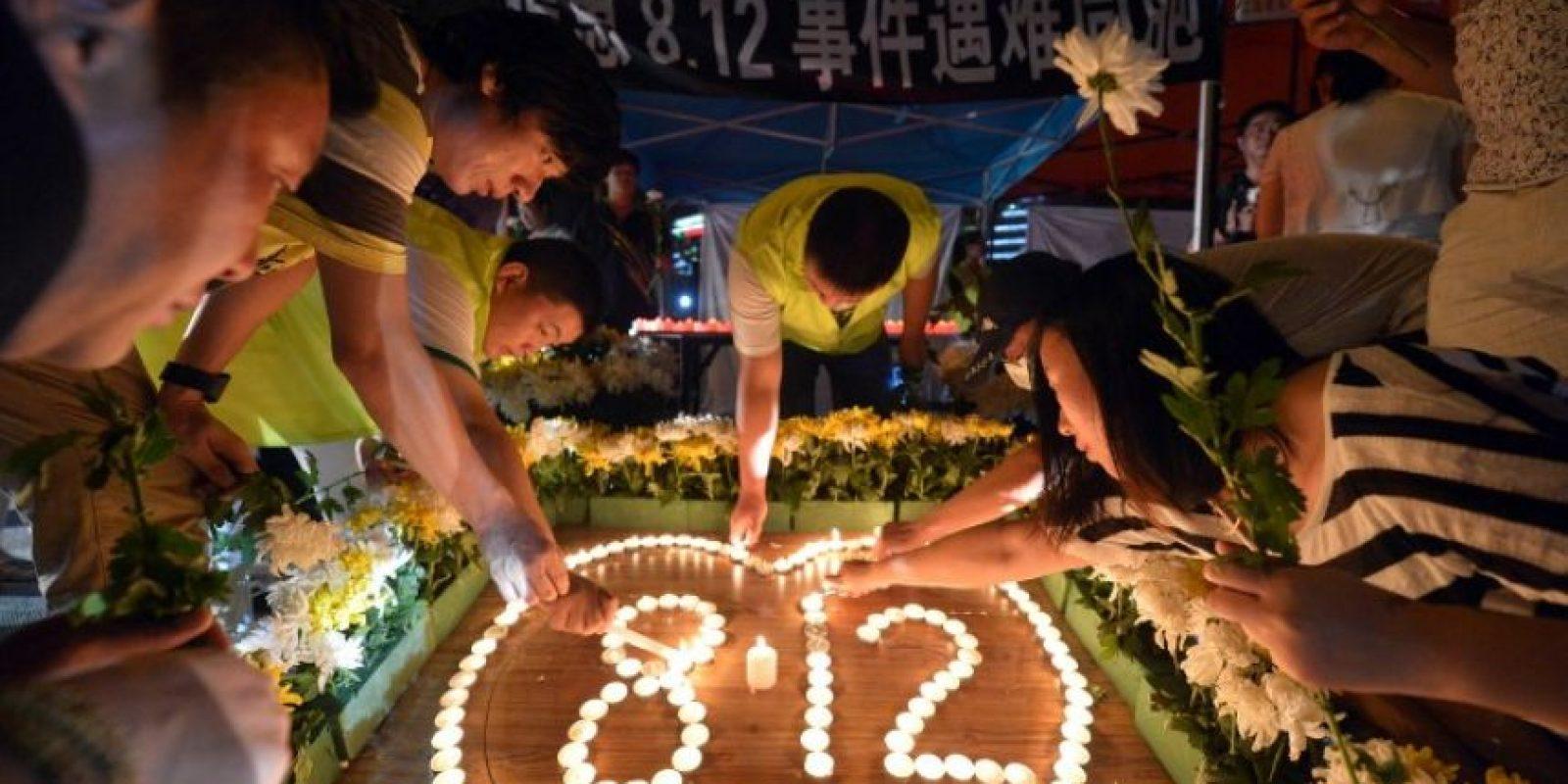 Estos son los tributos a las víctimas de la tragedia Foto:AFP