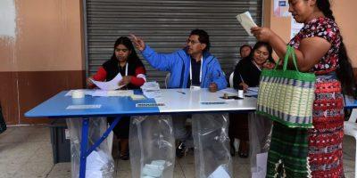 En su lugar, se nombró a Alejandro Maldonado como presidente interino. Foto:AFP