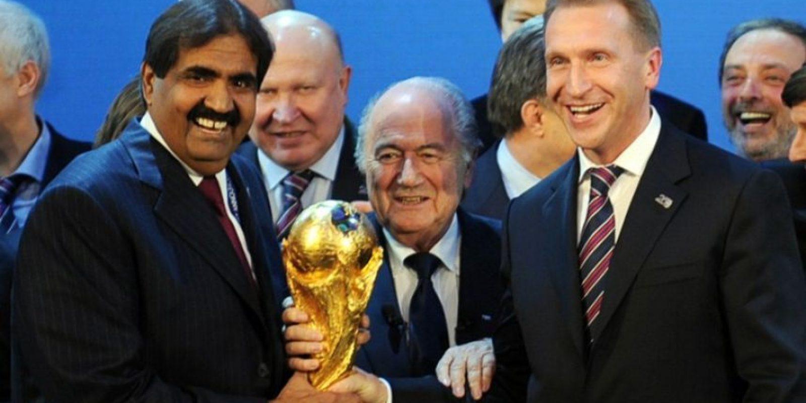 Sí. Blatter podría arrepentirse de su renuncia y terminar los cuatro años para los que acaba de ser reelegido. Ya sucedió en 2011, cuando comentó que no terminaría su mandato y lo hizo. Foto:AFP