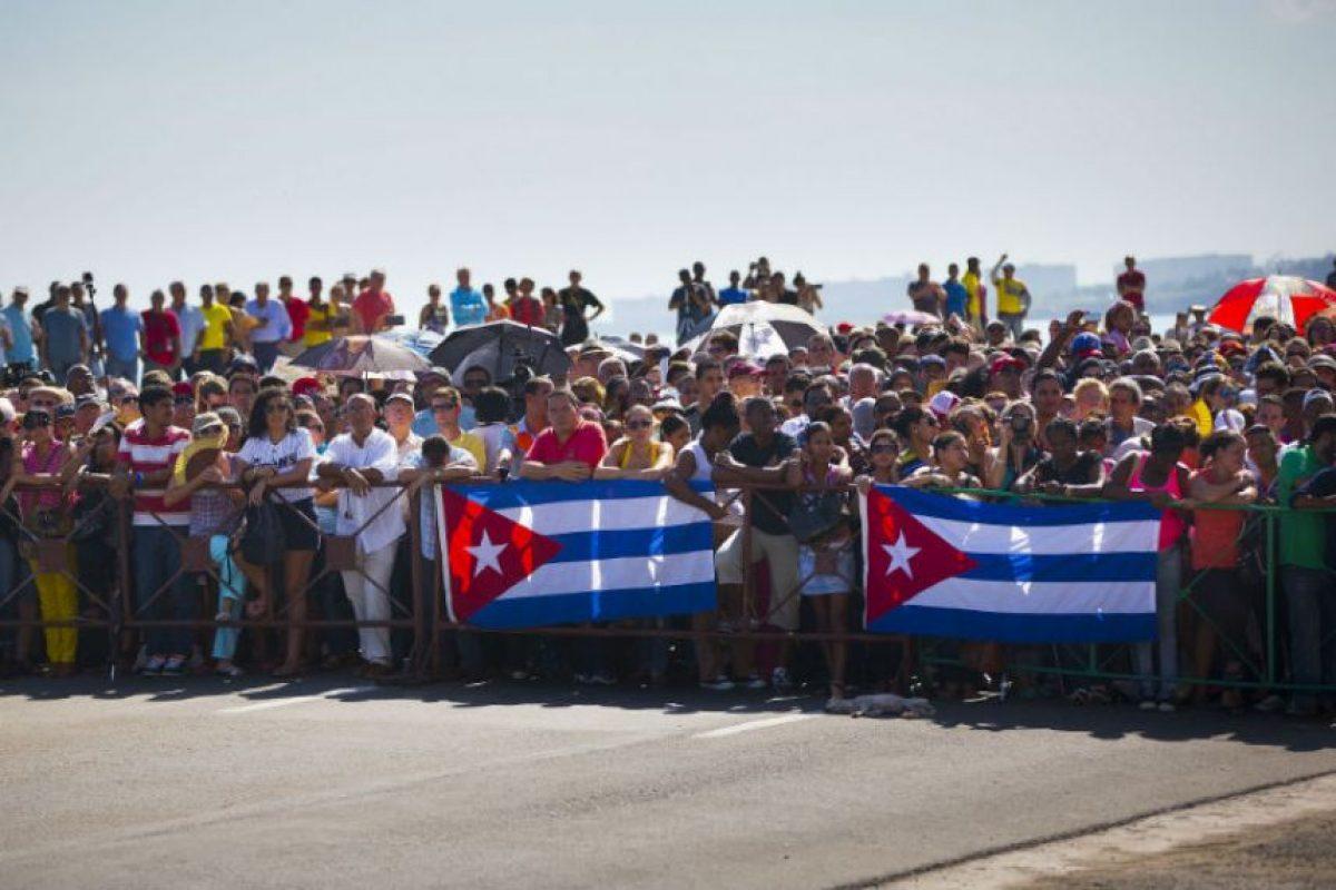 Cubanos se dieron sita fuera de las instalaciones. Foto:AFP