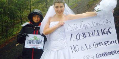 Bárbara Padilla encuentra una ingeniosa forma de manifestar desde las alturas
