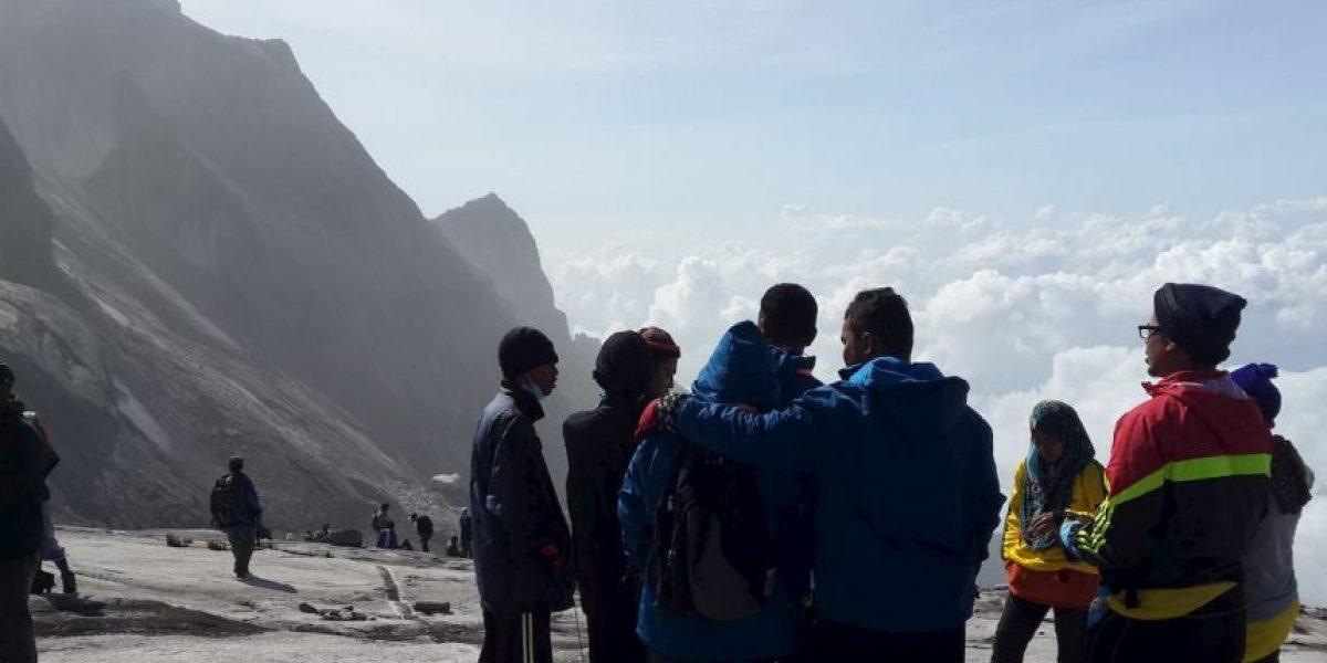Más de 130 turistas atrapados tras terremoto en Malasia