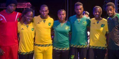 """Los """"Reggae Boys"""" recién presentaron sus uniforme para el torneo en Chile. Foto:Vía facebook.com/JamaicaFootballFederation"""