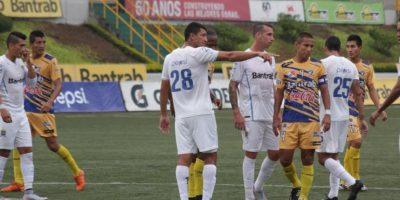Los cremas sumaron su tercera derrota en el torneo Apertura 2015. Foto:Comunicaciones FC