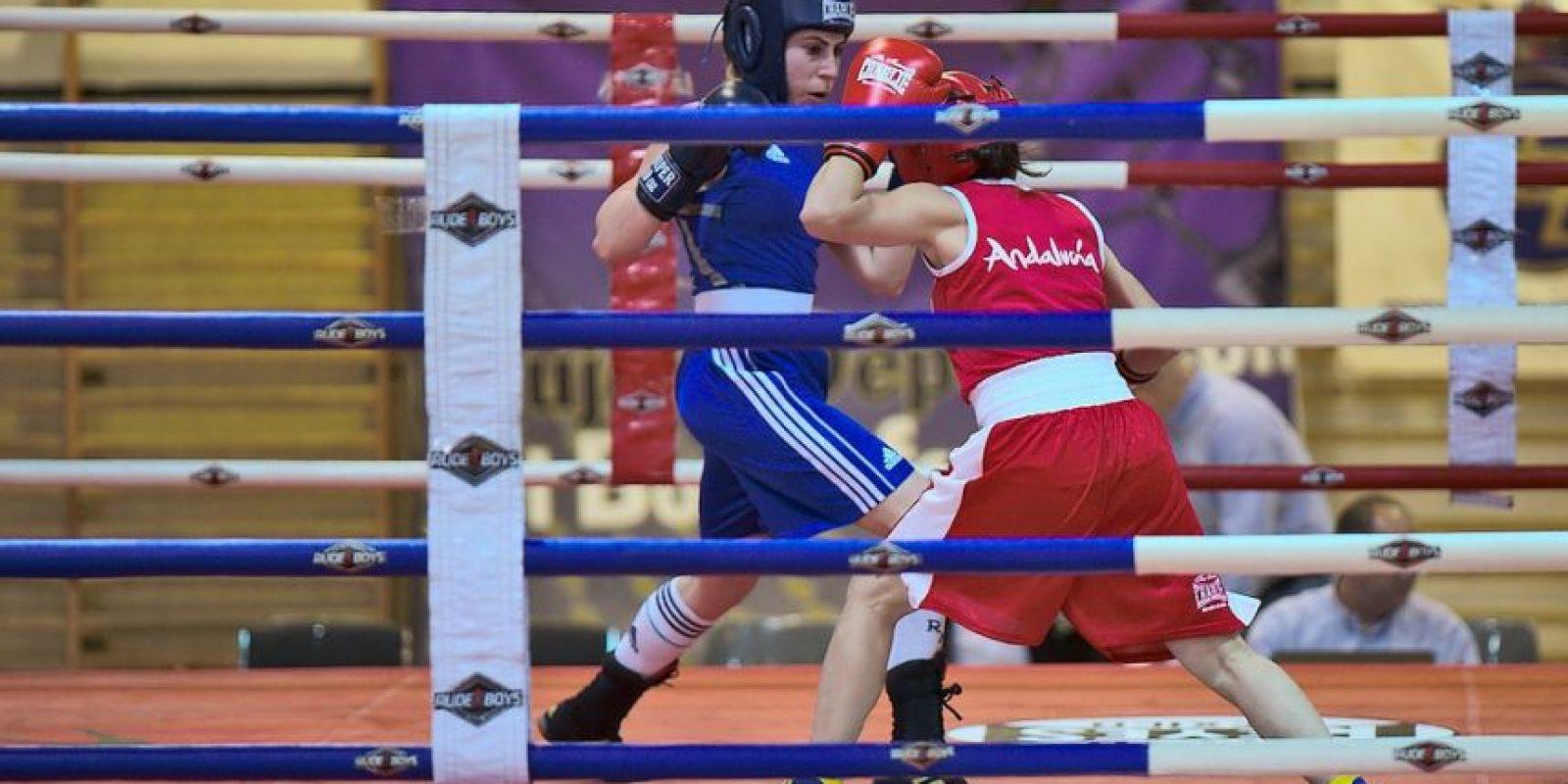 Además de que se tonifican los músculos con los golpes recibidos, los movimientos explosivos hacen que se quemen hasta 800 calorías en una hora Foto:Flickr.com