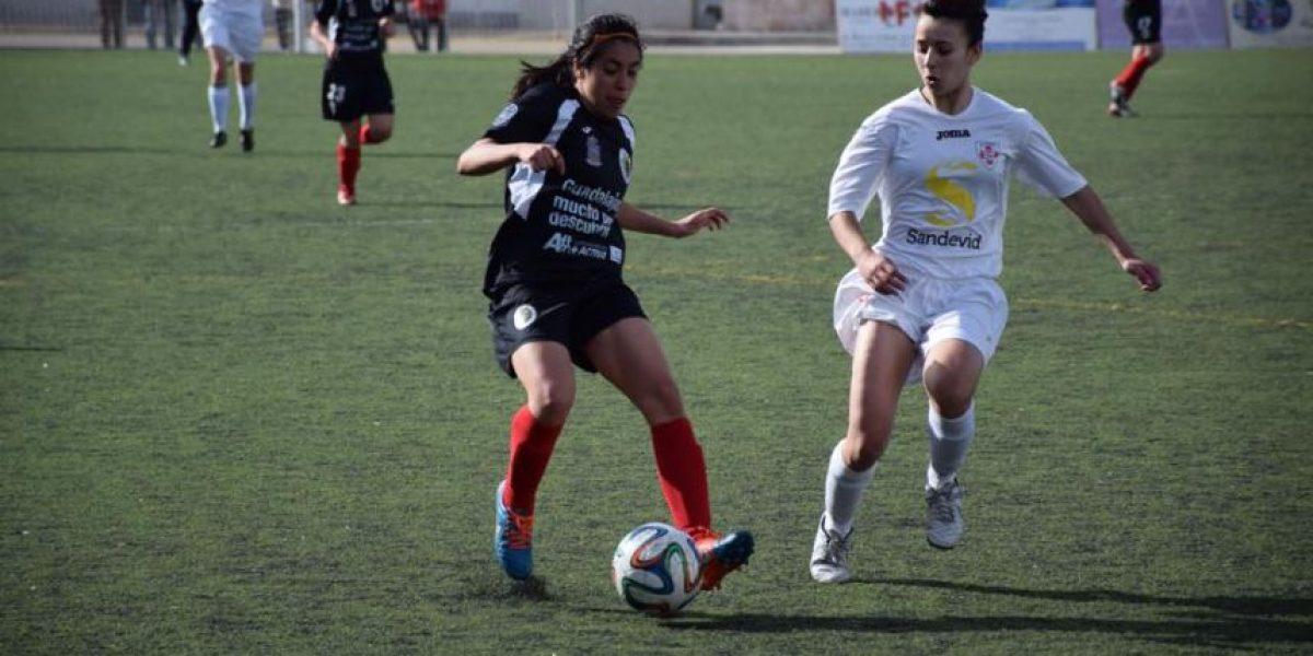 La futbolista Ana Lucía Martínez cuenta su experiencia a su regreso de España