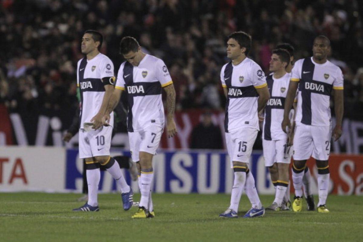 Sí entre fallas y atajadas, pasaron los 11 elementos de cada equipo y repitieron dos, para que a final de cuentas Maxi Rodríguez marcara el tanto que le dio el pase a la final de la Copa Libertadores. Foto:Getty Images