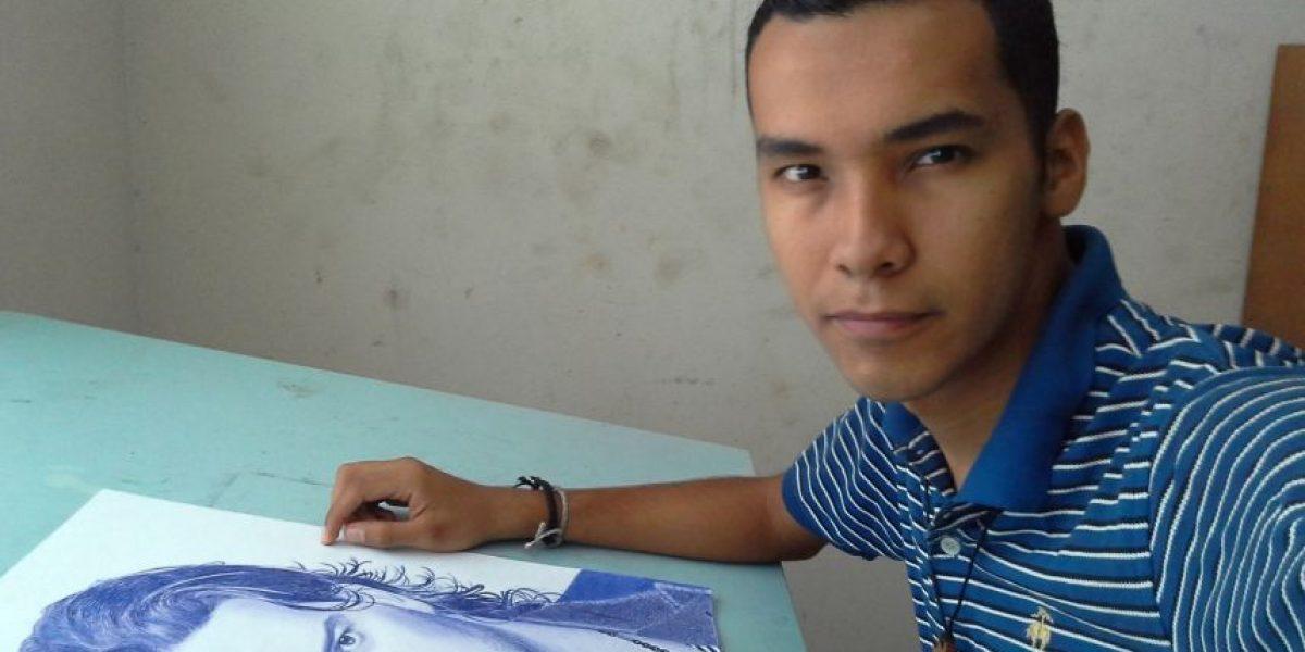 No creerás lo que este guatemalteco puede hacer con solo un lapicero