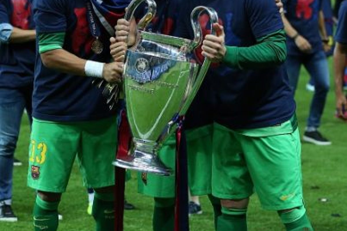 Ambos, de gran calidad, mantienen una lucha por la titularidad del conjunto catalán. Foto:Getty Images