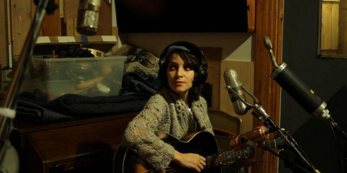 Gaby Moreno le canta una canción de cuna a un filme escalofriante