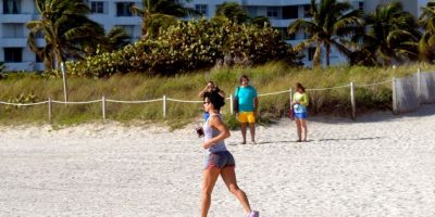 Correr. Puedes quemar 300 calorías en media hora Foto:Flickr.com
