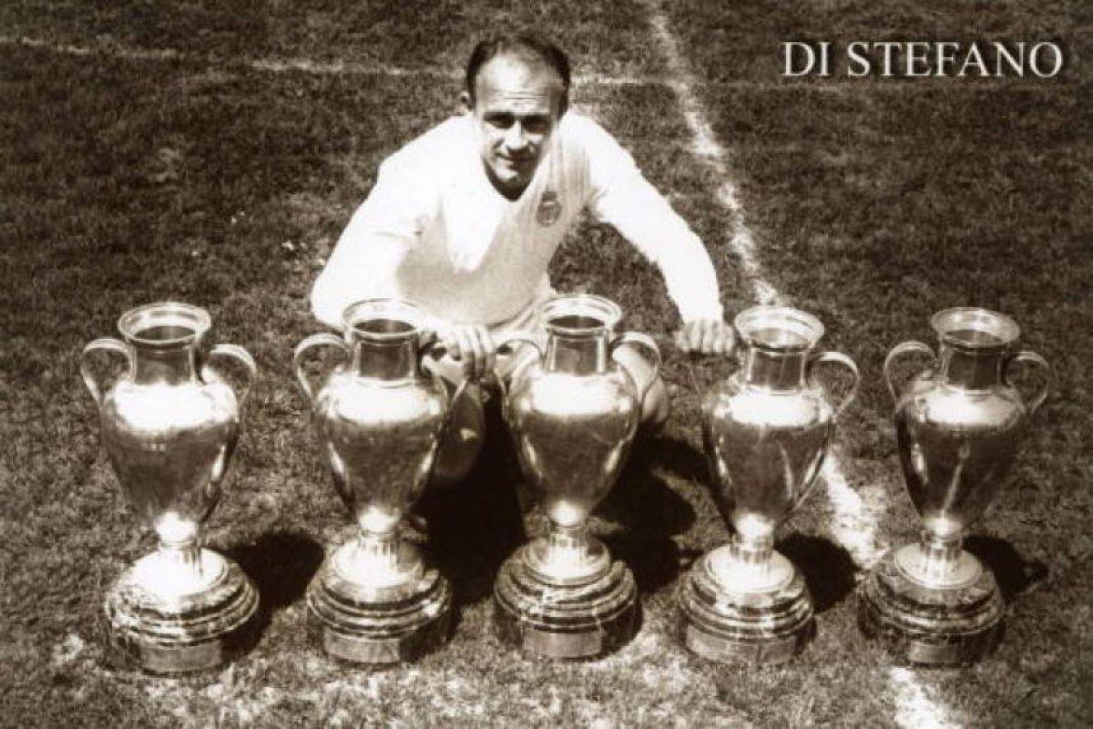 Alfredo Di Stéfano, del Real Madrid, anotó en siete finales (1956, 1957, 1958, 1959, 1960). Foto:Getty Images