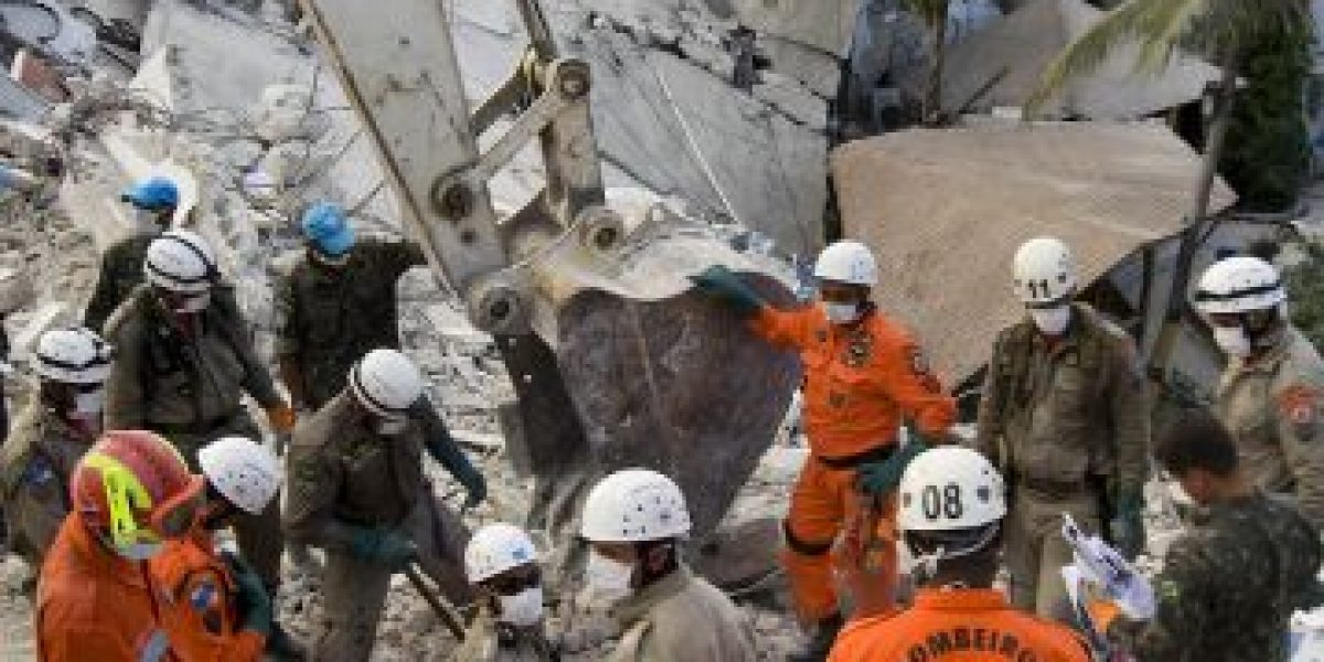 Acusan a Cruz Roja de construir solamente 6 casas tras terremoto de Haití