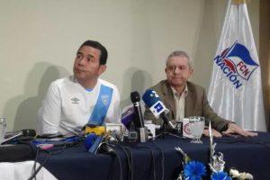 El candidato que terminó primero se visitió con los colores de la selección nacional pero dijo que sigue a Municipal. Foto:Publinews