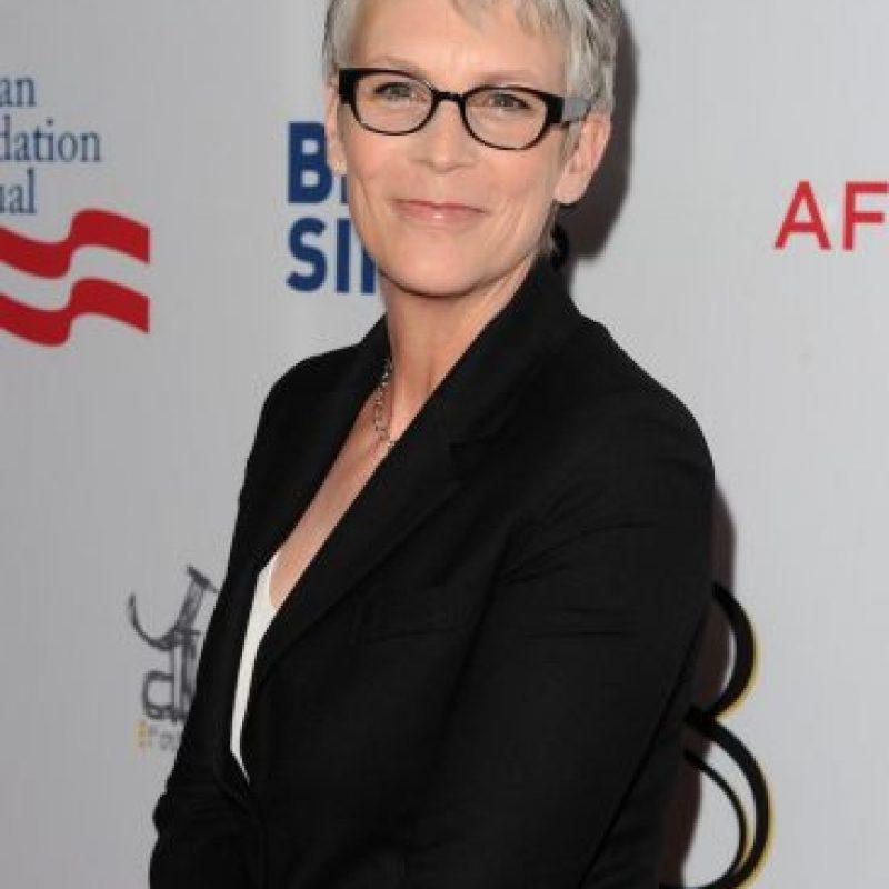 """La actriz festejó sus cinco décadas de vida, con un topless en la revista para jubilados más vendida en Estados Unidos, """"AARP"""". Foto:Getty Images"""