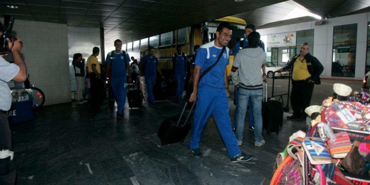 Tres futbolistas no viajaron con la Selección Nacional por problemas legales