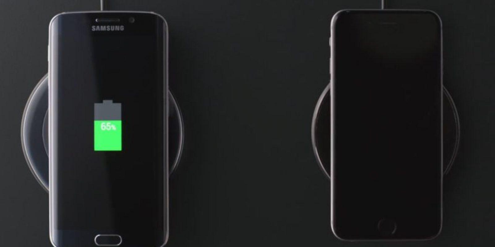 Hacen notar que el S6 Edge se puede cargar de forma inalámbrica. Foto:Samsung