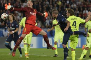 David Luiz, Verratti y Matuidi marcaron para los parisinos, mientras que Messi y Neymar descontaron para los catalanes. Foto:AFP