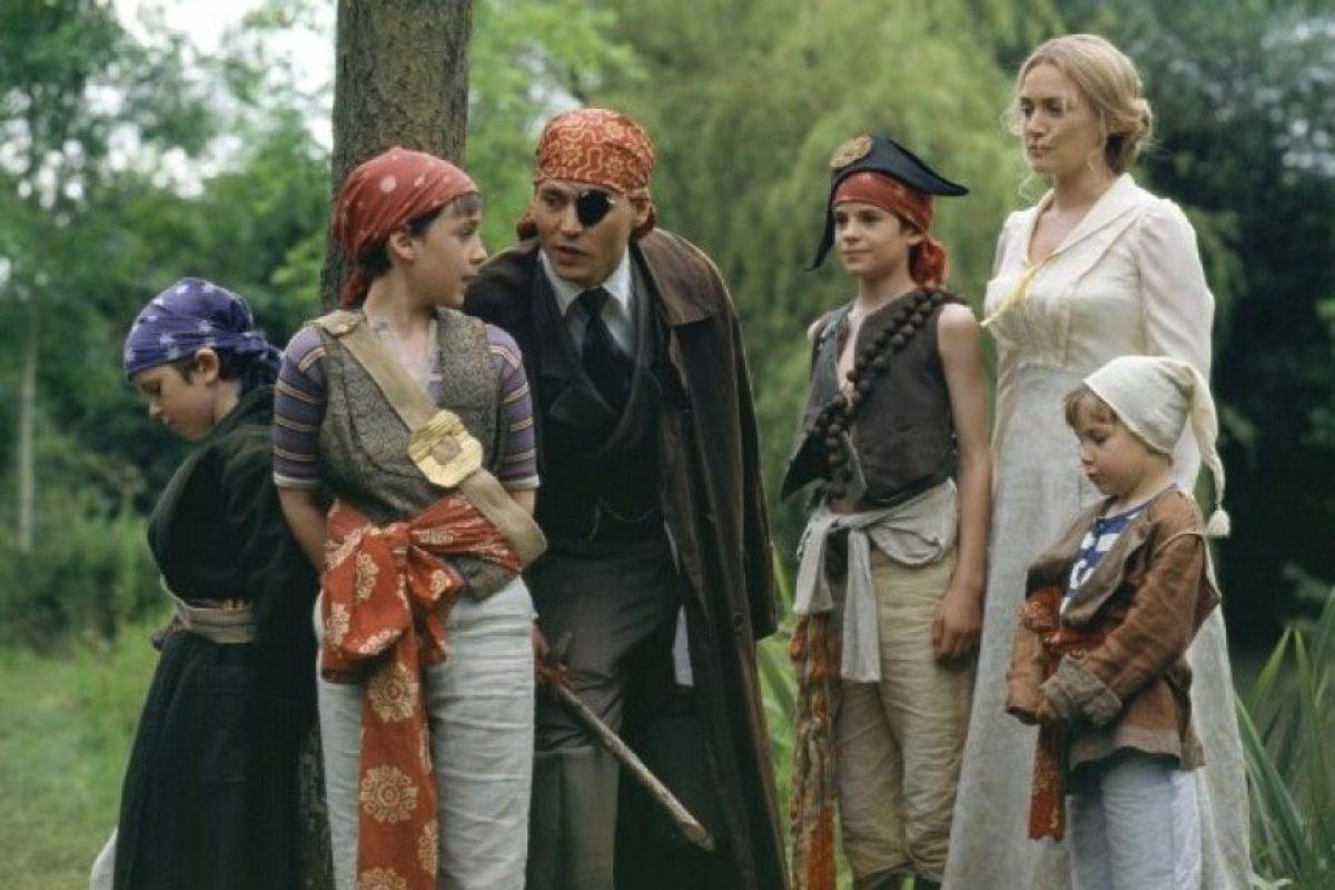 """Depp interpretó al novelista escocés, desde que crea a """"Peter Pan"""" hasta el día del estreno de su obra teatro. Foto:Walt Disney Productions"""