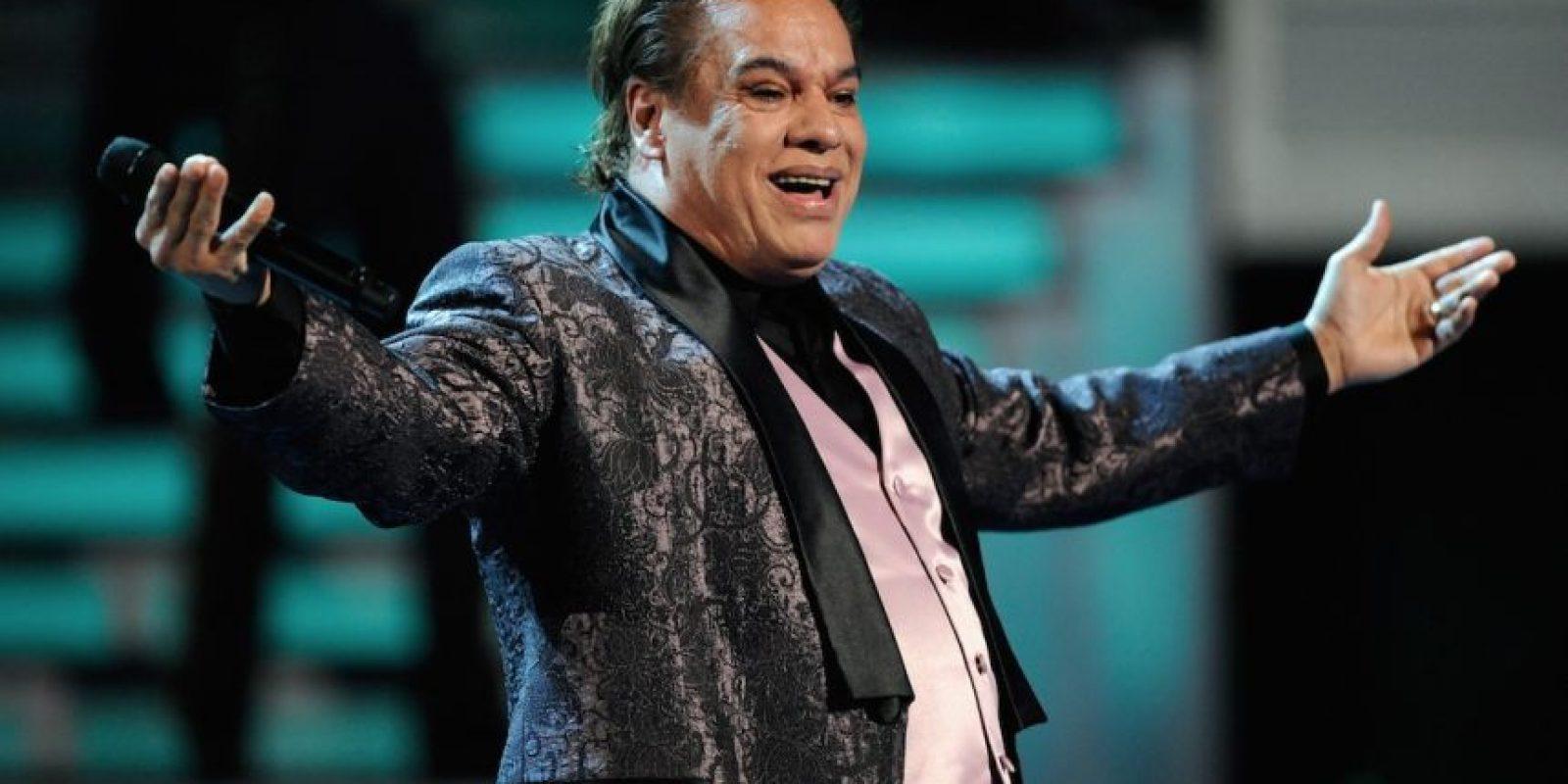En 2012, luego de atrasarse con un adeudo de casi 18 mil dólares de impuestos, una propiedad del cantante fue embargada en el Estado de Coahuila, México. Foto:Getty Images