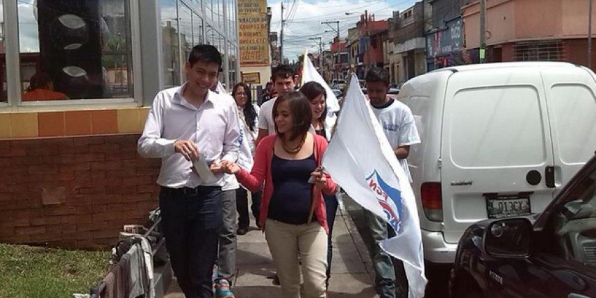 Renuncia a su candidatura como diputado por FCN por fotos comprometedoras