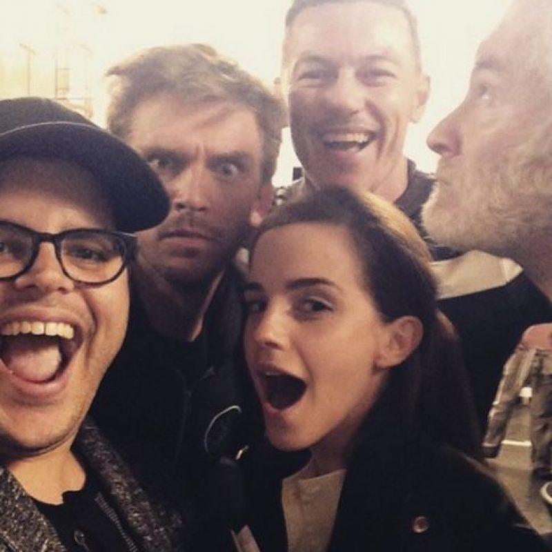 """A principios de este año, Emma Watson reveló que sería"""" Bella"""" en la nueva producción de Disney, """"La Bella y la Bestia"""". Foto:vía instagram.com/joshgad"""
