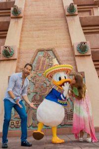 Tras negar su noviazgo durante varios meses, en septiembre, la pareja confirmó su relación. Foto:Disney