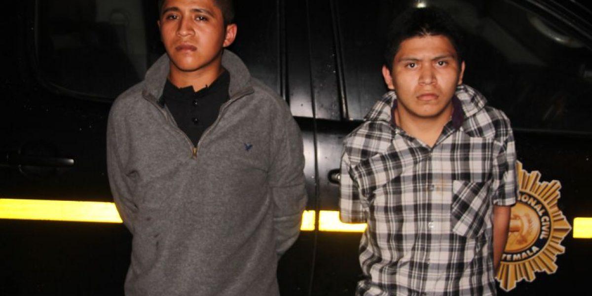 Policía los acusa de haber perpetrado dos crímenes en negocios en la zona 18 en