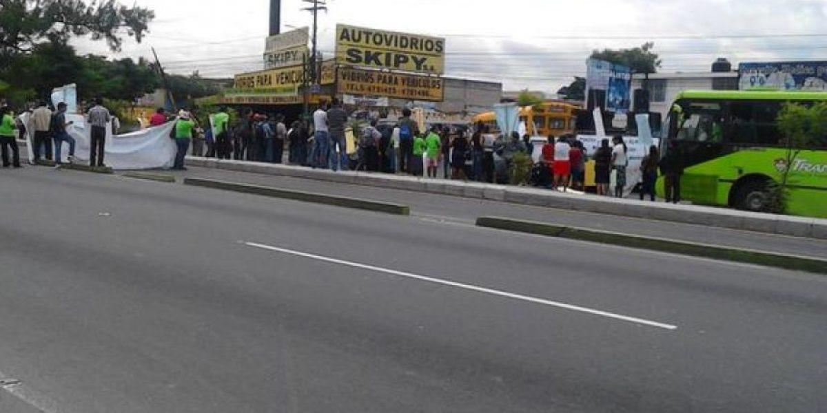 EN IMÁGENES. Manifestantes bloquean vías en la ciudad y provocan caos vial