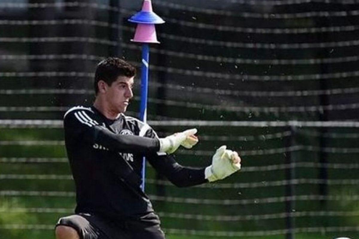 Es el portero titular del Chelsea y de la Selección de Bélgica